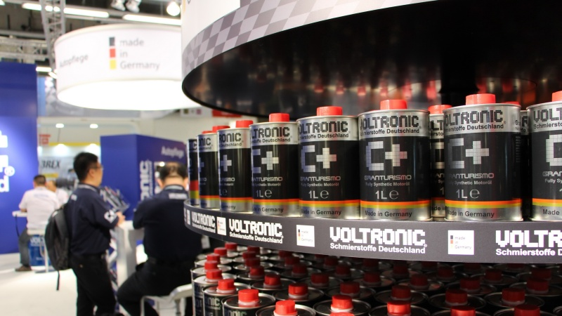 automechanika-frankfurt-2016-exhibitor-voltronic-gmbh-1b-voltronic-motor-oil