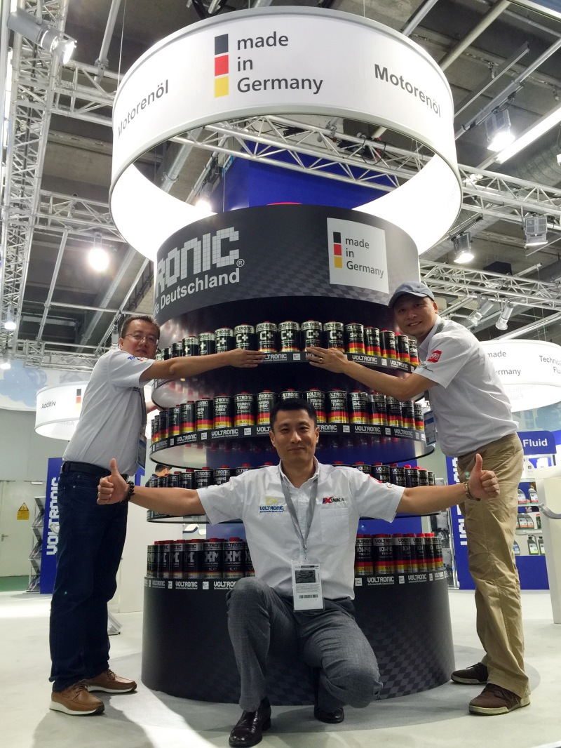 automechanika-frankfurt-2016-exhibitor-voltronic-gmbh-1k-voltronic-motor-oil